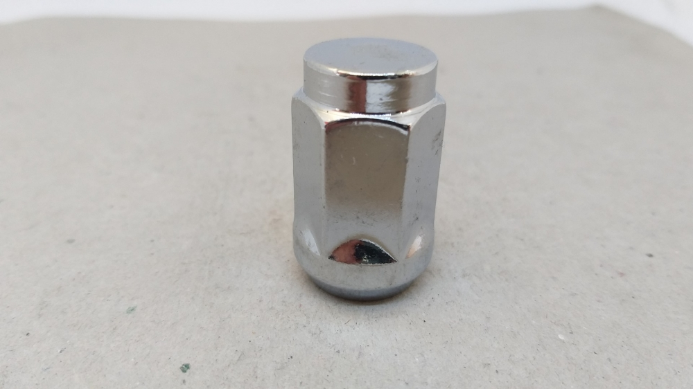 Гайка закрита 14x1.5x35 конус кл.21 хром