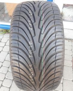 275/40R20 Roadstone N3000