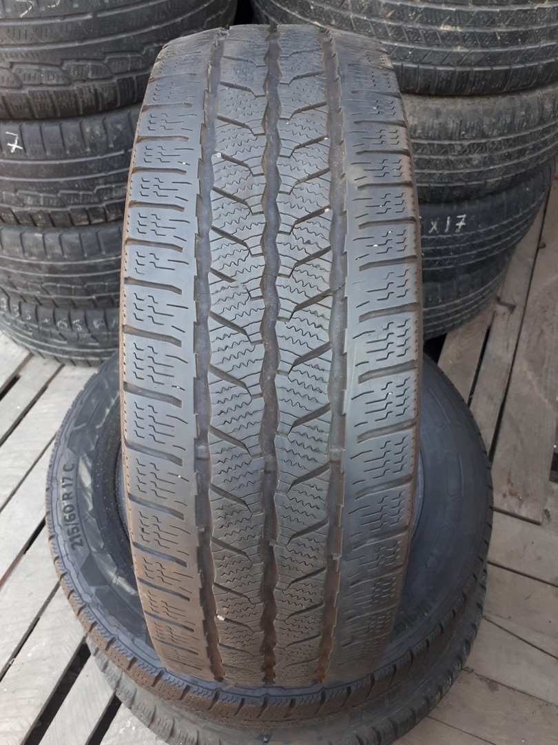 215/60R17C Continental VanContact Winter