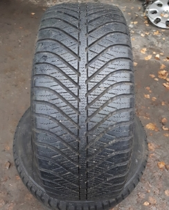 215/55R16 Goodyear Vector 4 Seasons