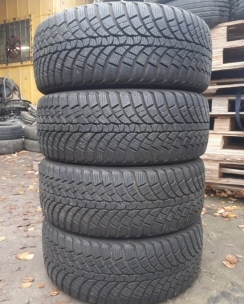 225/45R17 Kumho WP71 WinterCraft. Фото 2