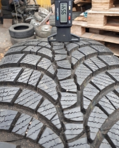 225/45R17 Kumho WP71 WinterCraft. Фото 4