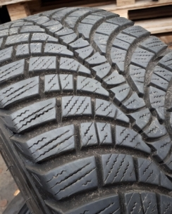 225/45R17 Kumho WP71 WinterCraft. Фото 7