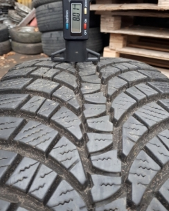 225/45R17 Kumho WP71 WinterCraft. Фото 8