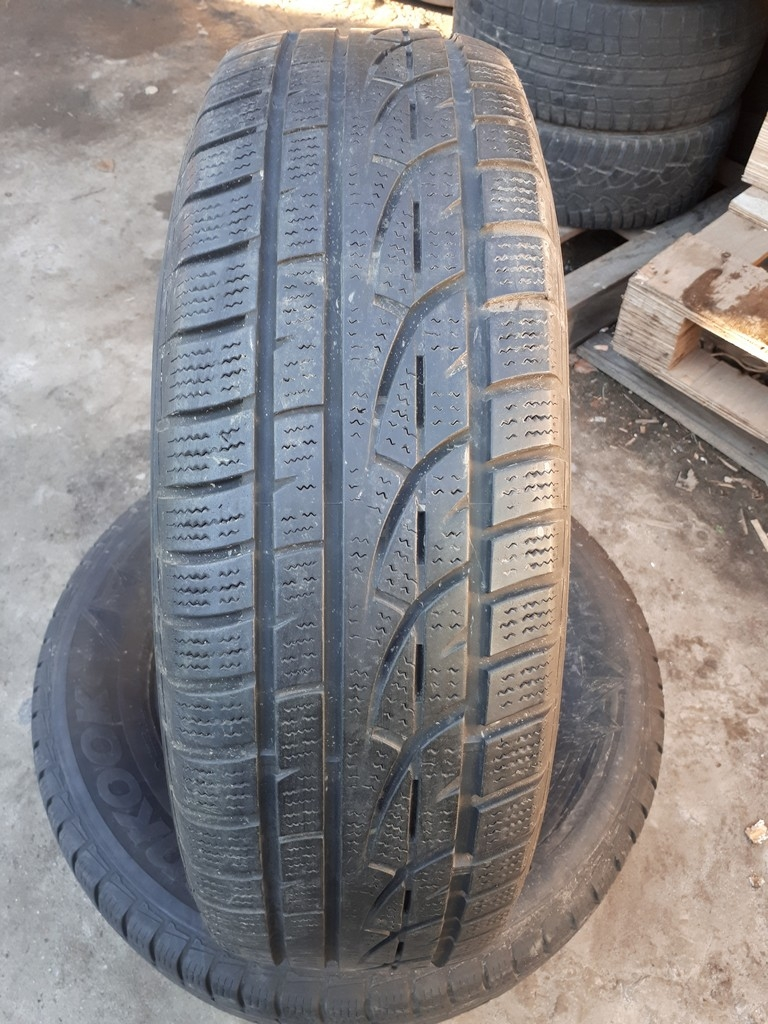215/70R16 Hankook W310 Winter I*Cept Evo