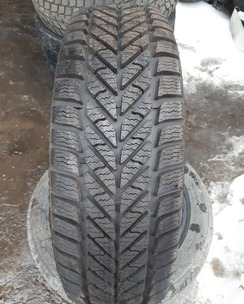 205/60R16 Goodyear Ultra Grip Ice