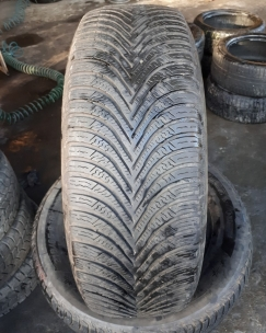 215/65R16 Michelin Alpin 5