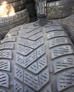 215/65R16 Pirelli Scorpion Winter. Фото 6