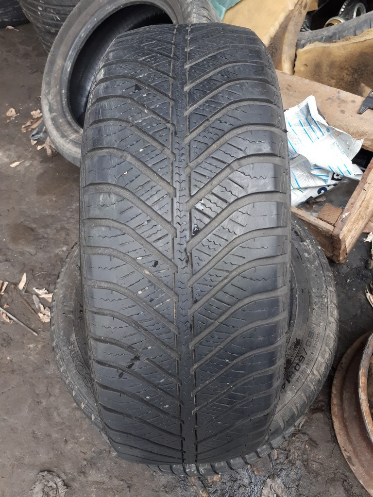 165/60R14 Goodyear Vector 4 Seasons